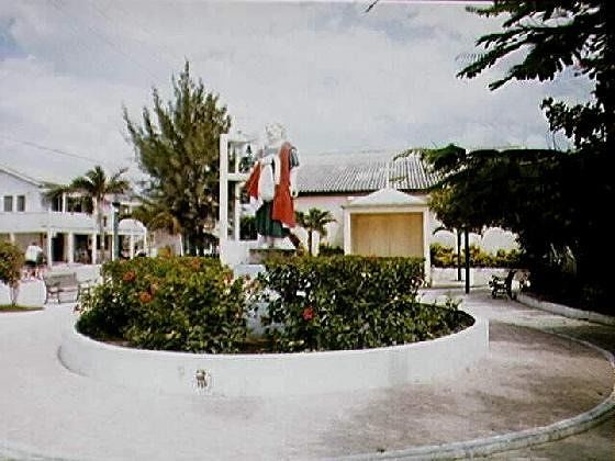 Statue in roundabout