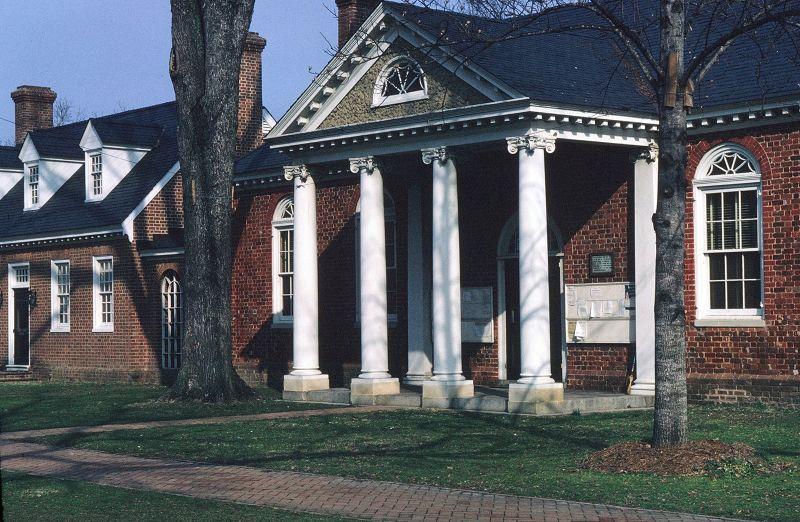 large_674579227722527-Gloucester_C..Courthouse.jpg