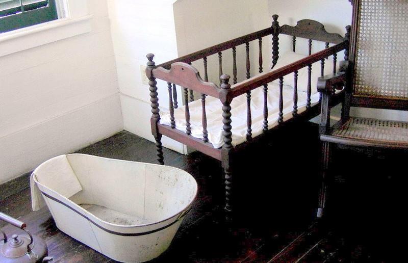 Crib and a child's hip bath