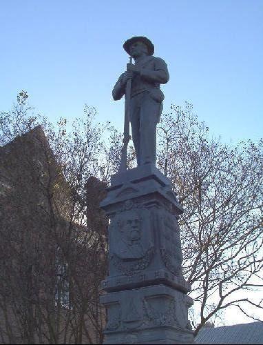 CSA statue next to courthouse