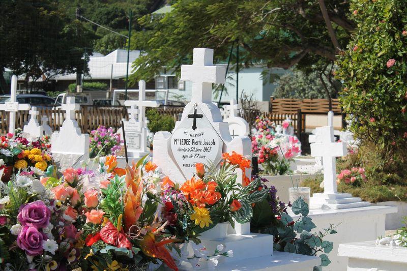 Grave of Mme. LEDEE Pierre Joseph