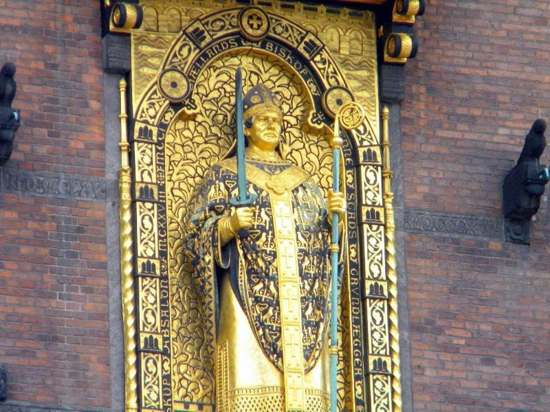 Bishop Absalon in gilded copper
