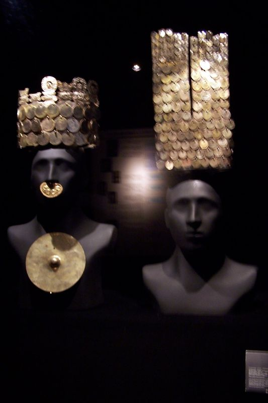 7023121-Fools_Gold_In_The_Gold_Museum.jpg