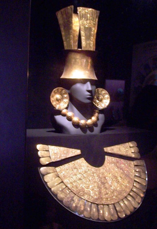 7023123-Fools_Gold_In_The_Gold_Museum.jpg