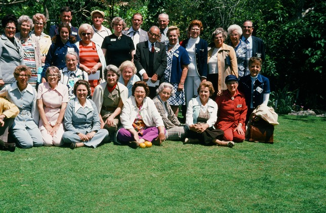 1974_tour_group_Australia My daughter is in dark blue on the left standing behind my mother next to a lady in orange