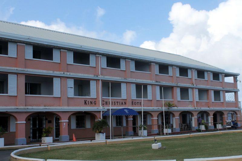 Hotel entrance oval