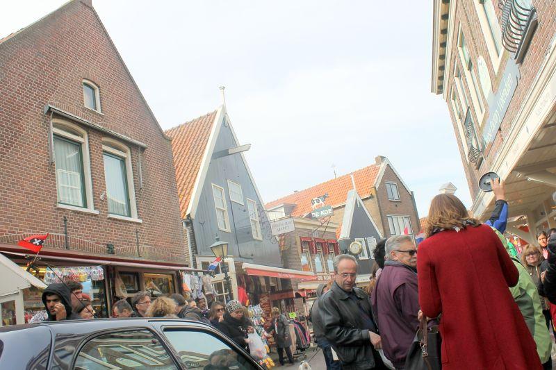 Main street in Volendam - Volendam
