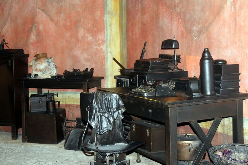 Archeologist desk