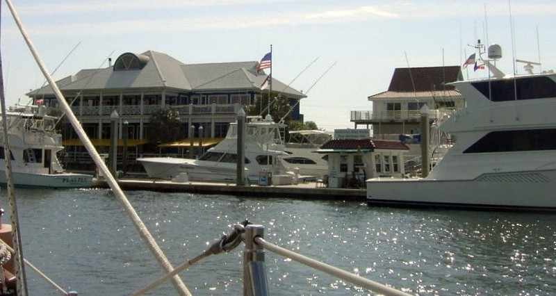 Busy marina next to the Wrightsville Beach bridge