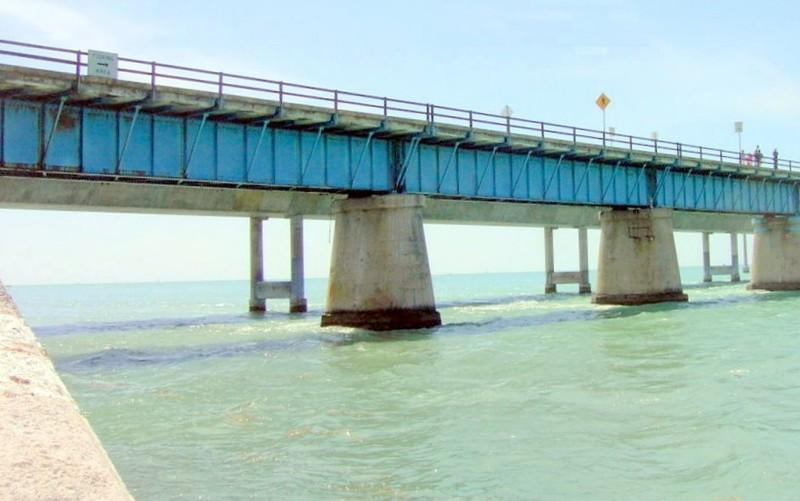Old bridge from Pigeon Key