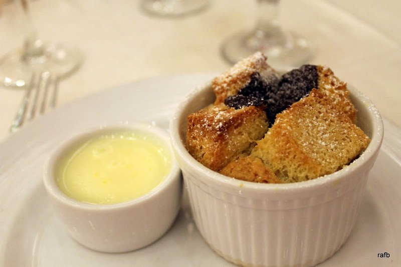 Bitter and blanc (bread pudding)