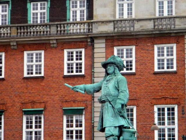 Statue Danish-Norwegian admiral Niels Juel