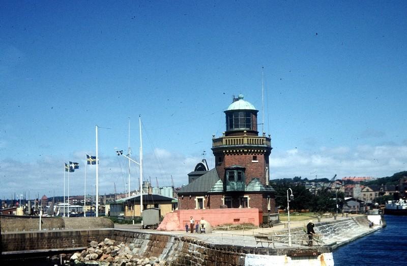 Helsingborgs Fyr lighthouse - entering harbor