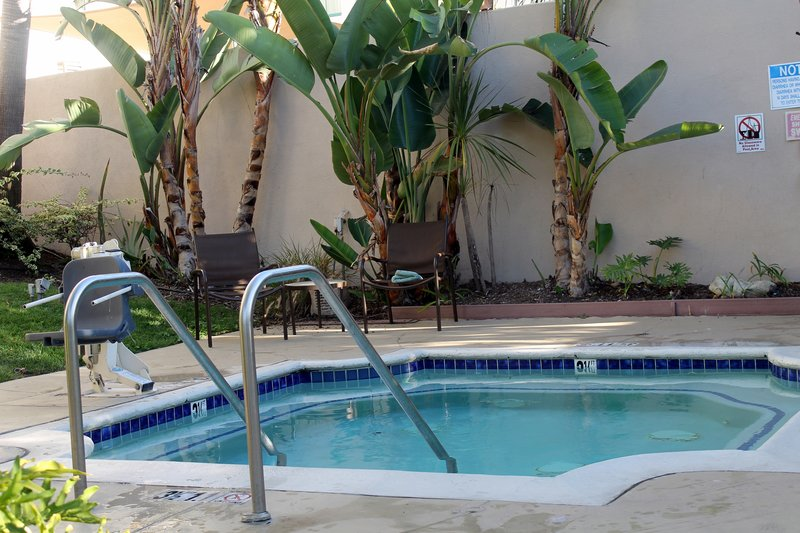small pool with lift