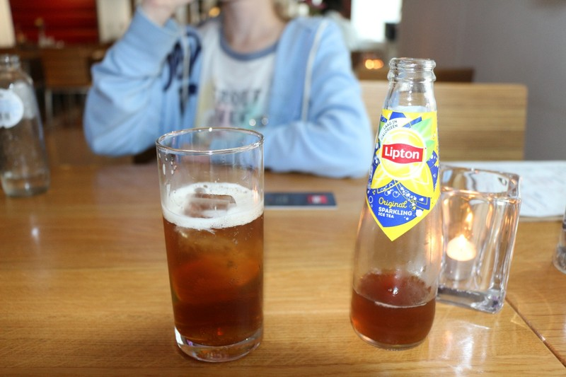 Sparkling tea (carbonated)
