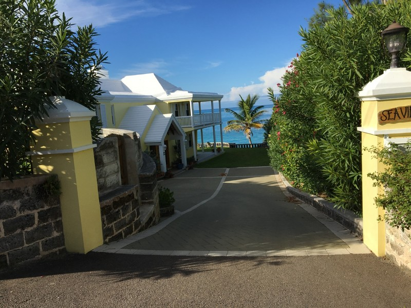 Sea Villa driveway