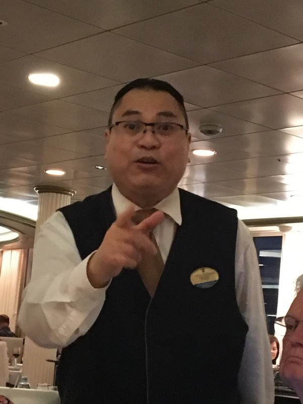 Waiter Indra