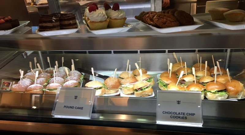 Little sandwiches and cupcakes