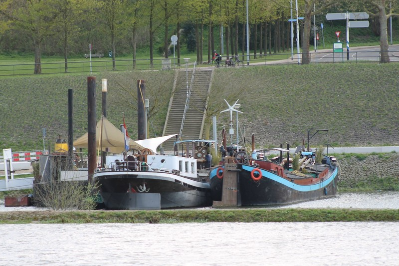 local barge boats