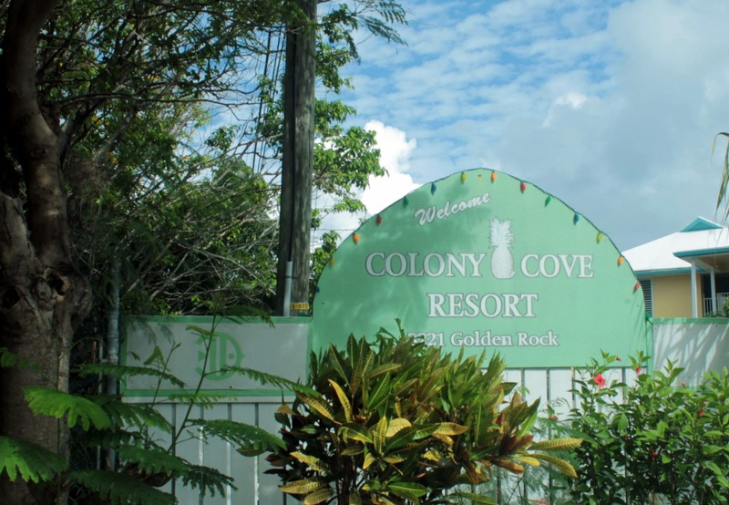 Colony Cove Resort sign