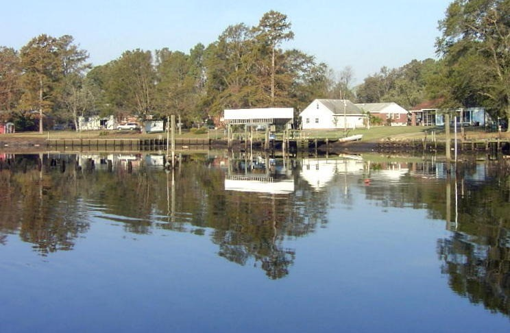 Houses on the shore in Deep Creek