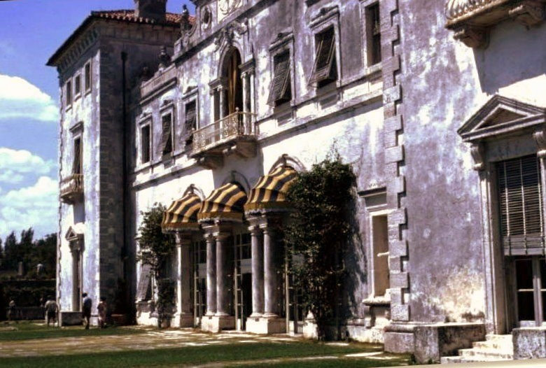 1967 East side of Vizcaya - in 2004 the east side was covered with scaffolding which was also covered