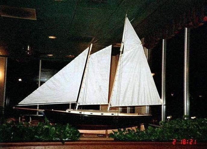Model ship in Groupers restaurant