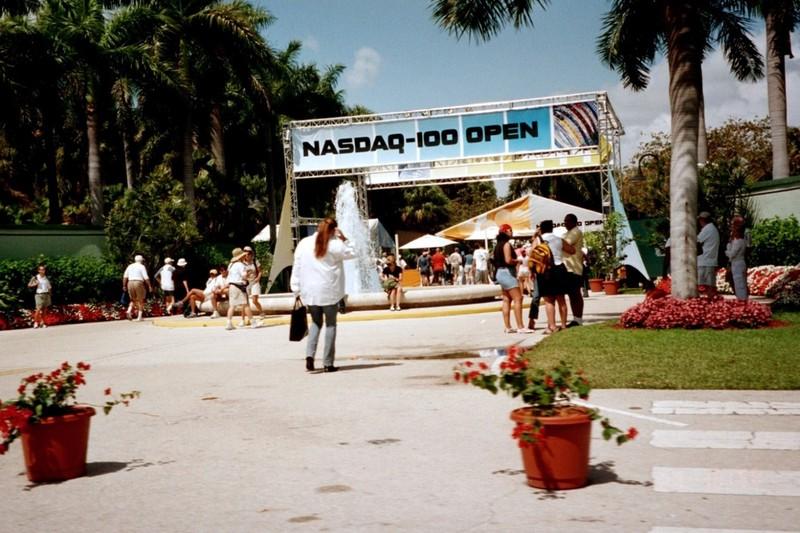 NASDAQ 100 0pen entrance