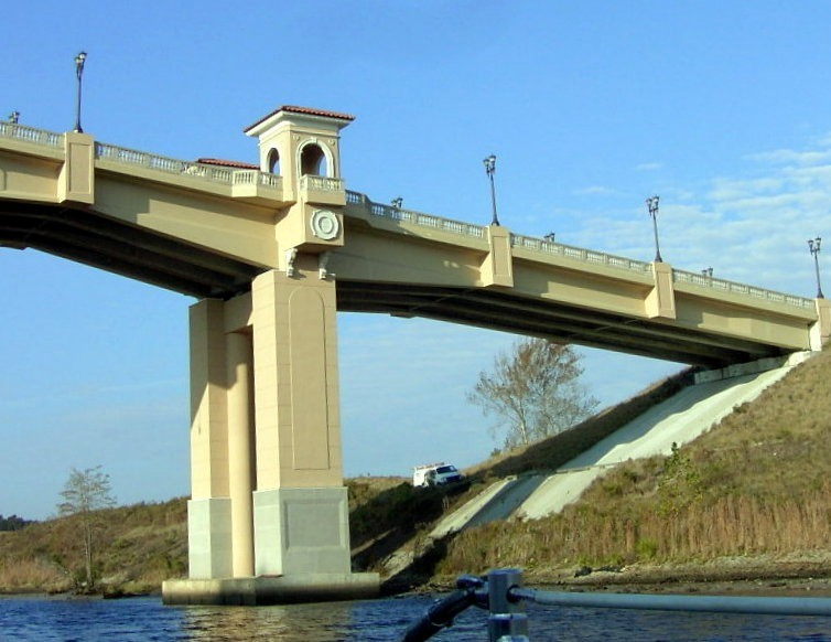 New bridge that was being constructed in 2000