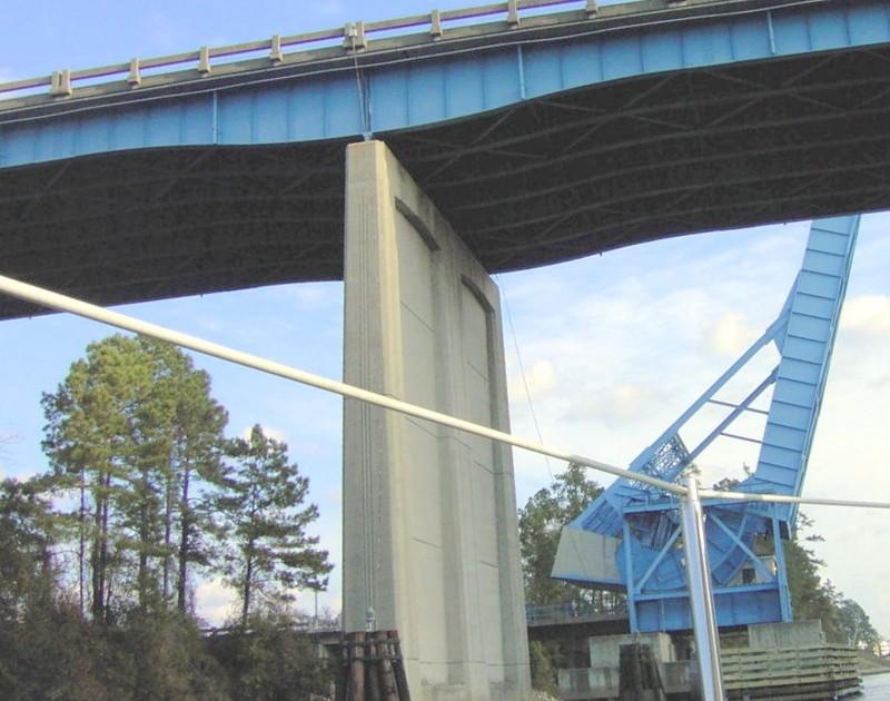 Looking back at the new bridge and swing bridge