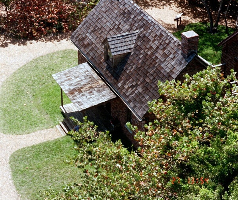 Lighthouse keeper's cottage from above