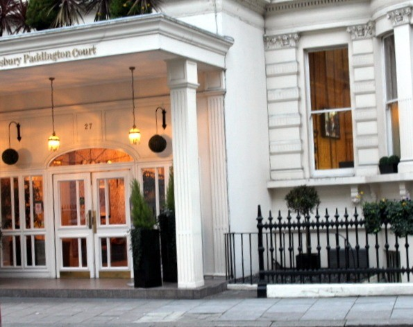 Paddington Hotel entrance with ONE STEP