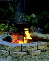 Fire pit with chili pot