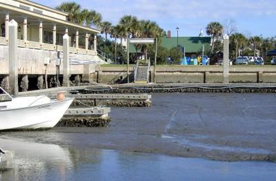 Low tide at the inside southside docks