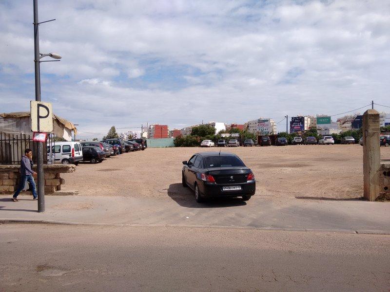 Casablanca, Derb Ghallef flea market parking