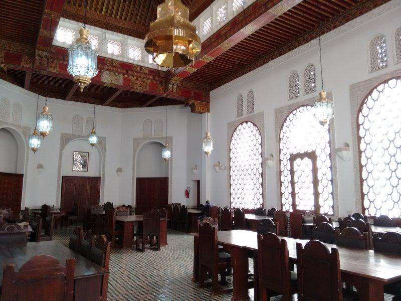 large_Fes_el_Bal..eading_room.jpg