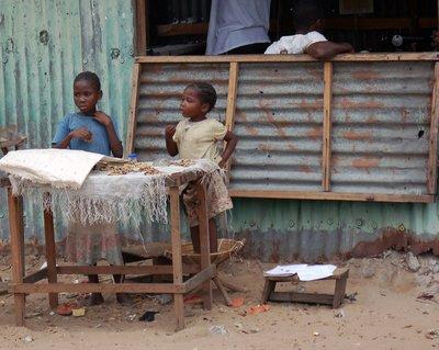 Moungali Market Kids