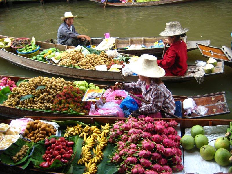 Fruit Vendors at Damnoen Sadouak