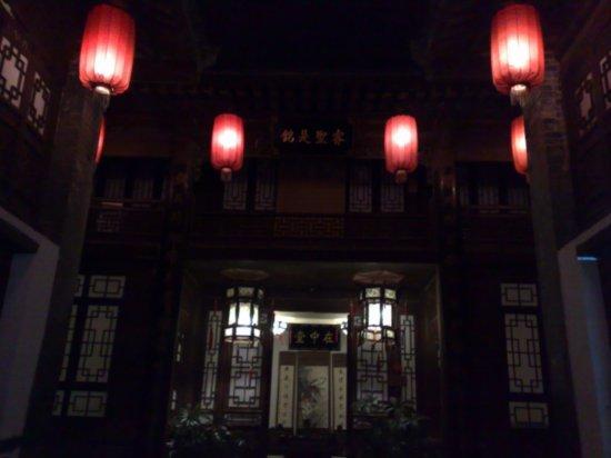10-Sth East Cnr & Historical Residence