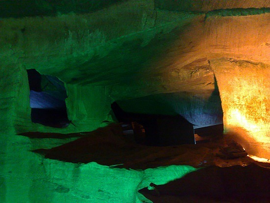 The Mysterious Grottoes of Huangshan