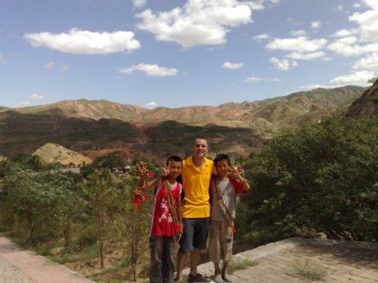 14-Xumi Shan Grottoes