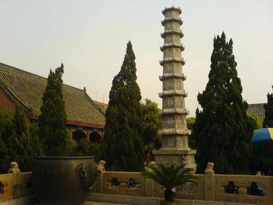 Kaifeng - Grand Buddha Temple (9)