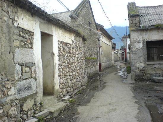 Dali Lake Village Walk (18)