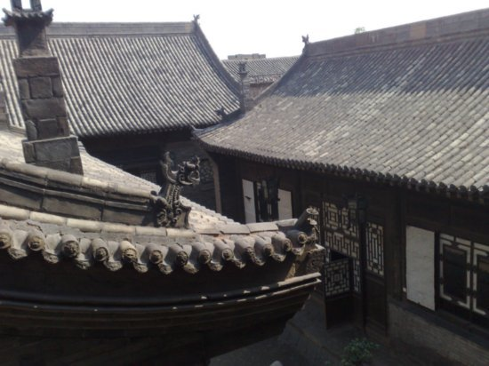 28-Shapely Roof Tops & Chinese Theatre