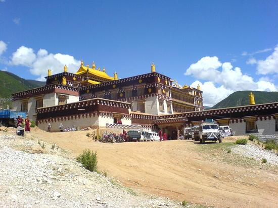 Town & Monastery Walk (10)