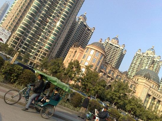 Chigang Pagoda & New Tall Things Around