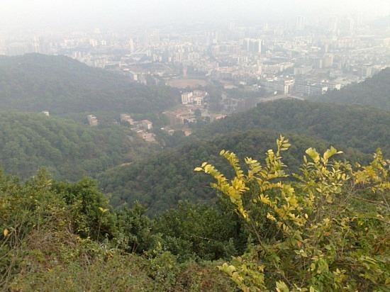 Baiyun Shan and Bus No 24 Adventure