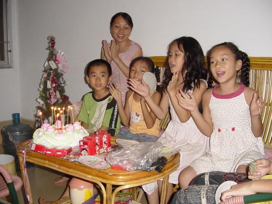 Lilleys Birthday at my house (1)