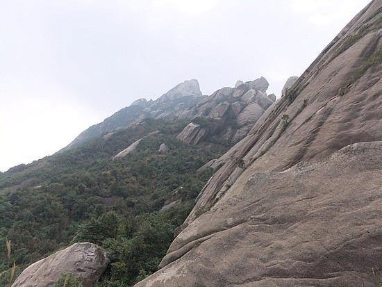 Lingshan Mountain Adventure