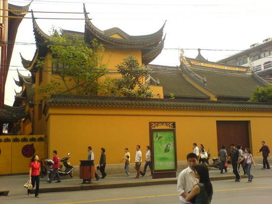 Shanghais Museums Bazaars & Bars (10)